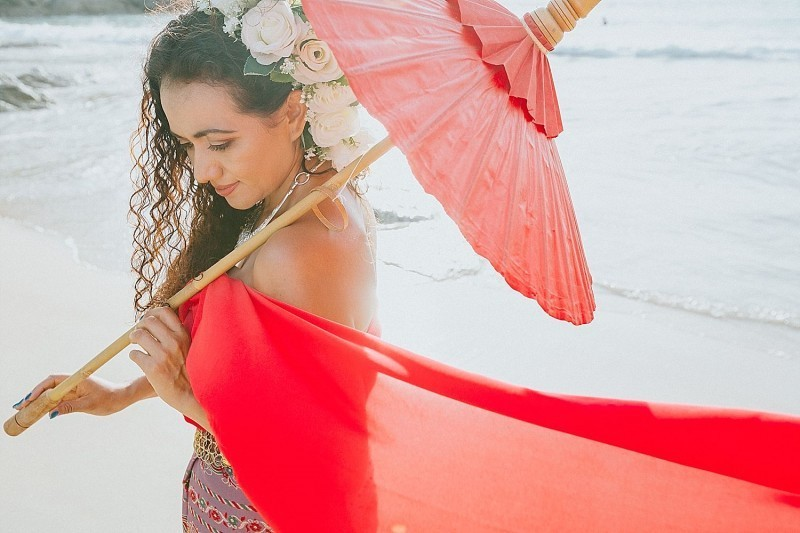 Thai dress photo shoot in Phuket